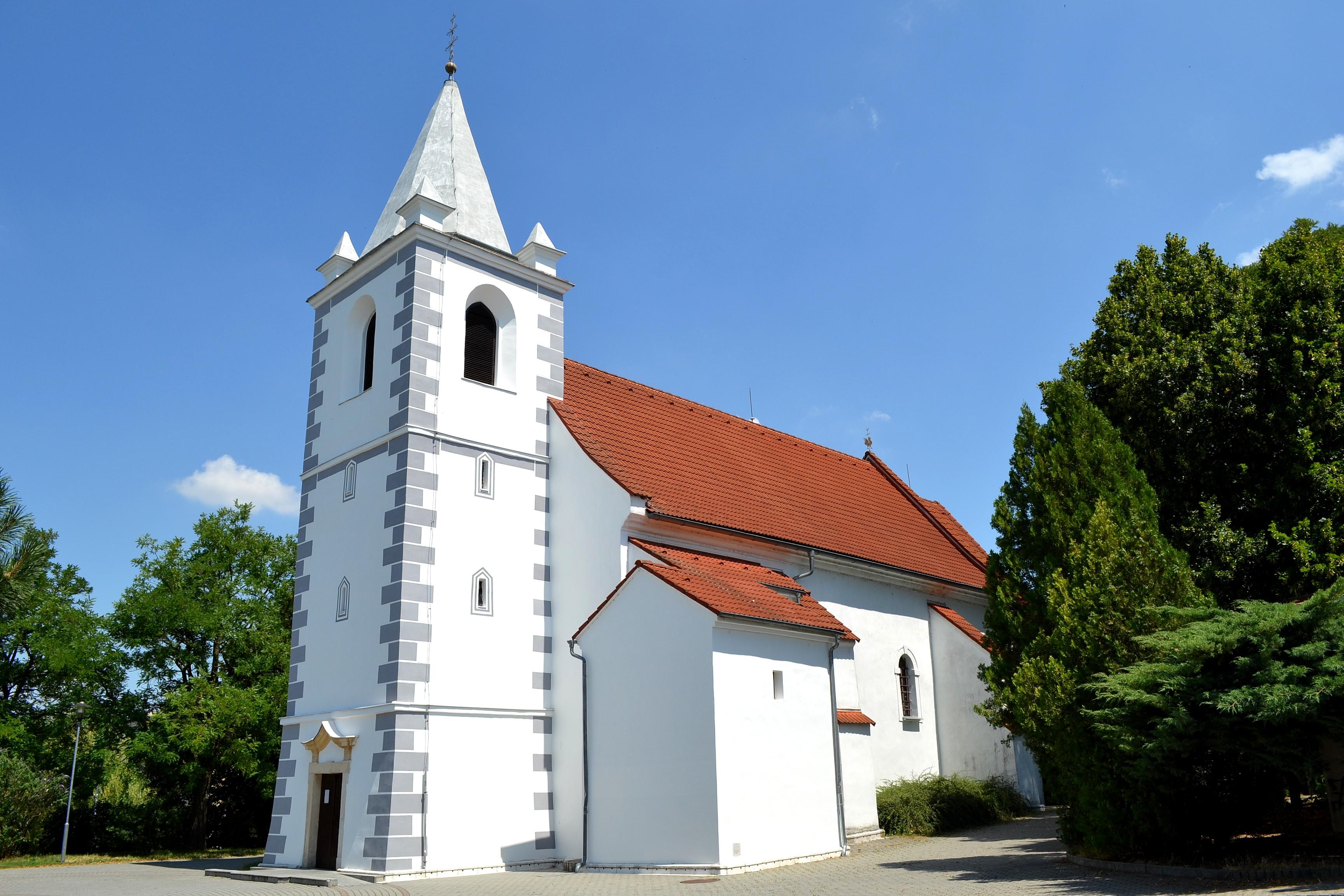 Devínska_Nová_Ves_kostol_02