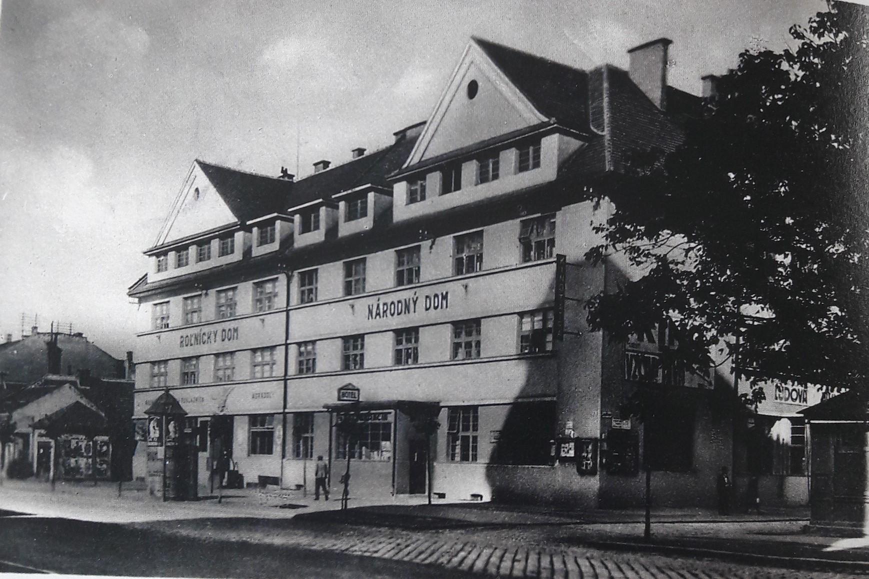 Národný_a_Roľnícky_dom_na_Štefánikovej_triede_v_roku_1936