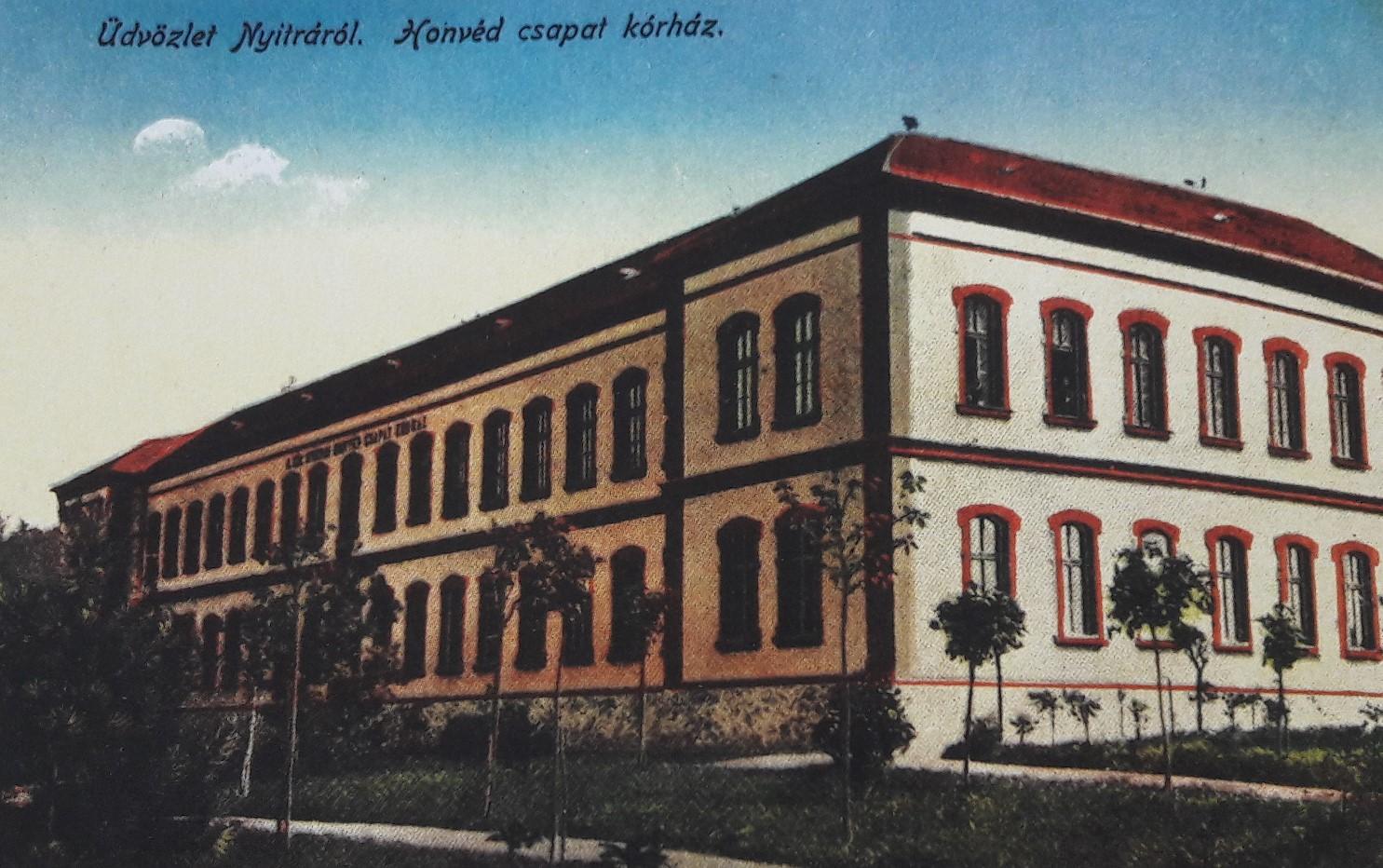 Vojenská_nemocnica_pod_Zoborom_okolo_roku_1915