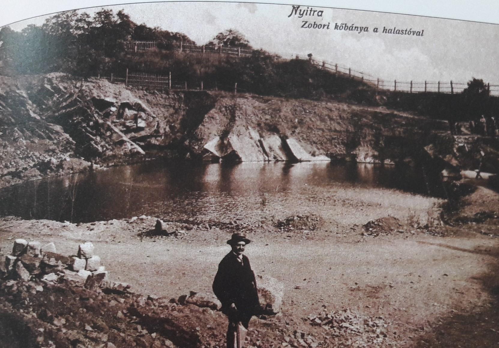Zoborský_kameňolom_s_rybníkom_okolo_roku_1908